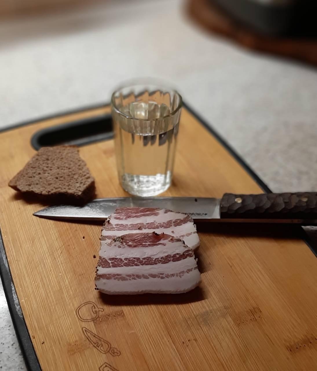Правильные закуски к водке. чем можно закусывать водку или cекреты приятного застолья