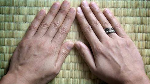 Алкогольный тремор рук: причины дрожания, как лечить, синдром трясущихся рук народными средствами
