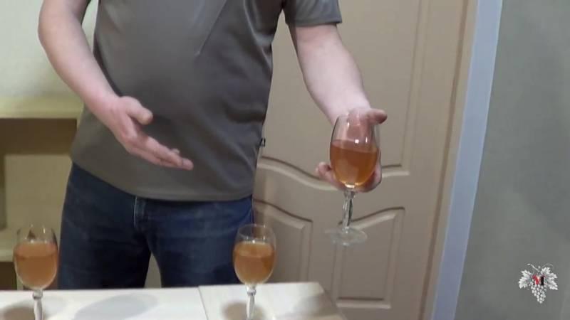 Осветление вина (оклейка) в домашних условиях:10 простых способов
