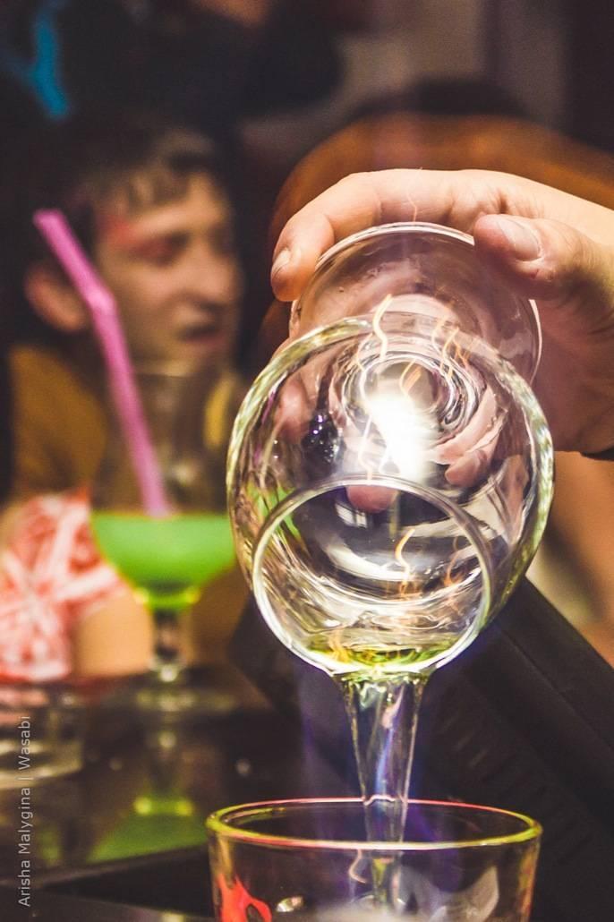 Как правильно пить абсент в домашних условиях: инструкция по употреблению