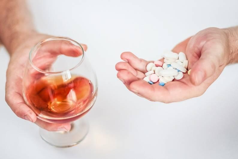 Мезим и алкоголь: можно ли совмещать?