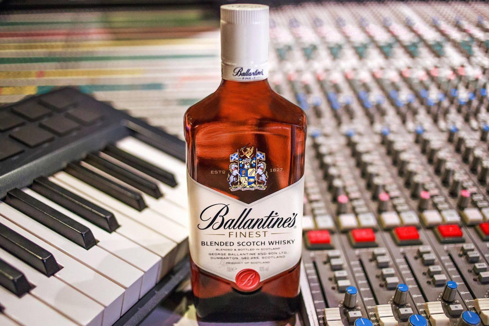 Виски ballantine's (баллантайнс): особенности вкуса и обзор линейки скотча - международная платформа для барменов inshaker