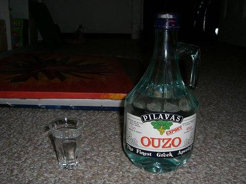 Греческий алкогольный напиток узо