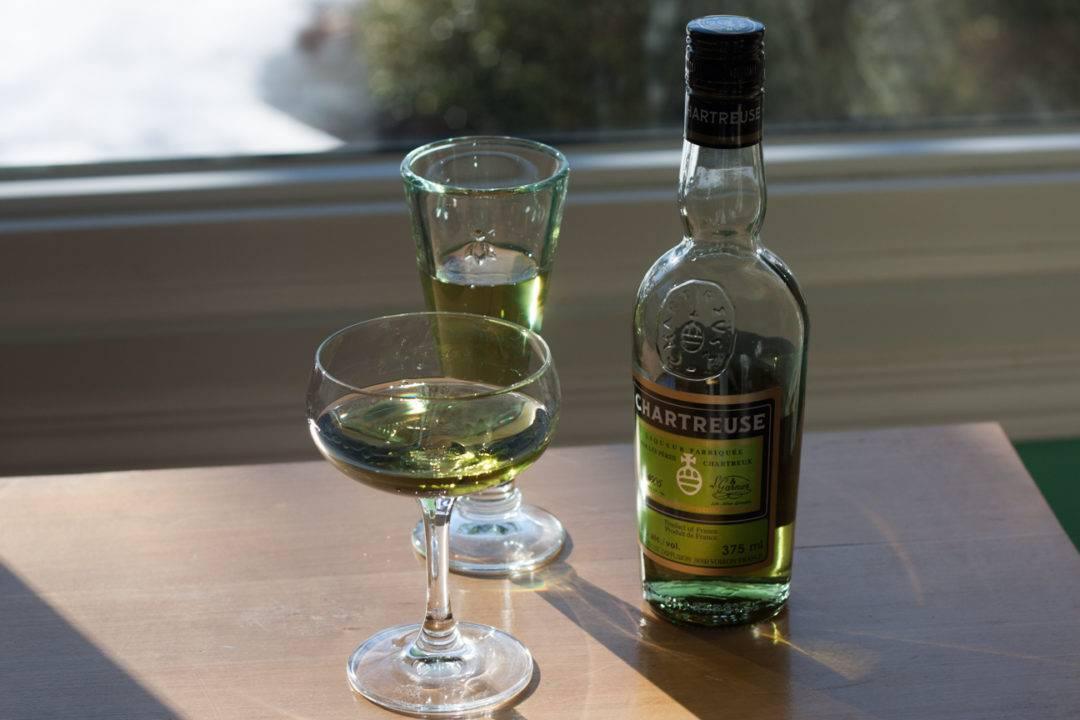 Шартрез ликер: что это, как пить и состав
