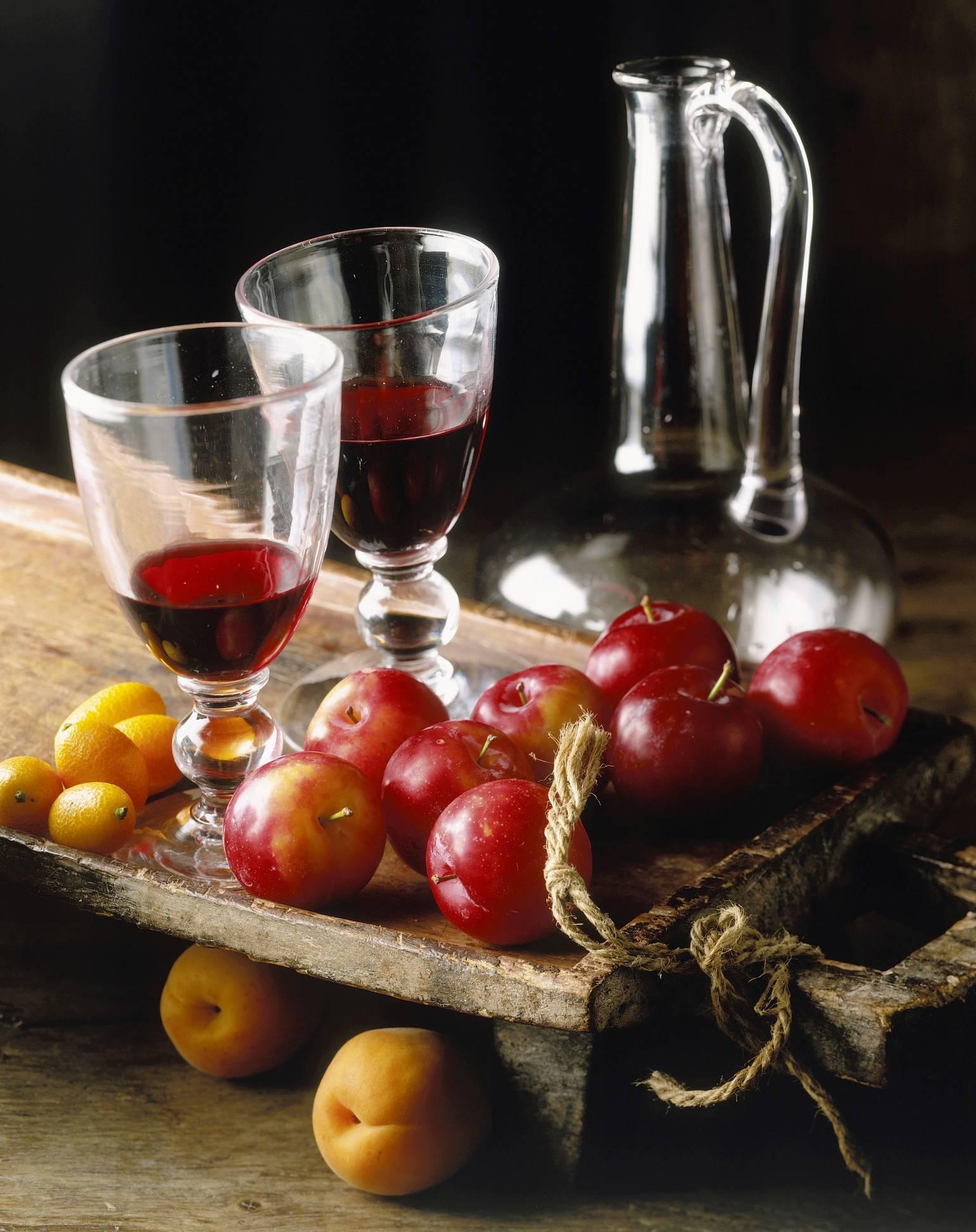 Рецепт приготовления домашнего вина из абрикосов