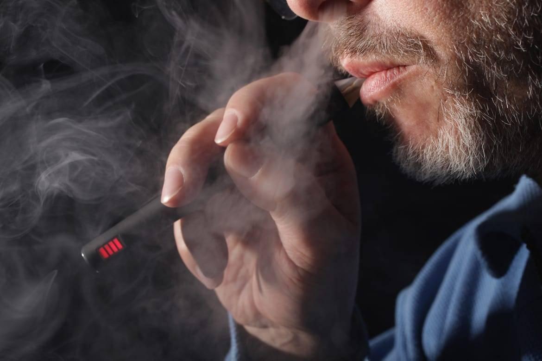 С чем связан кашель во время парения вейпа?