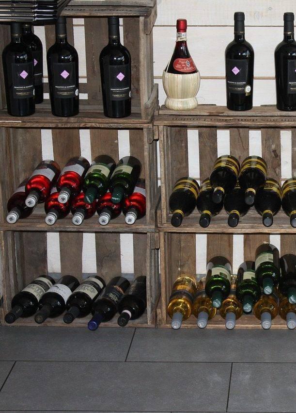 Как правильно хранить вино в домашних условиях?