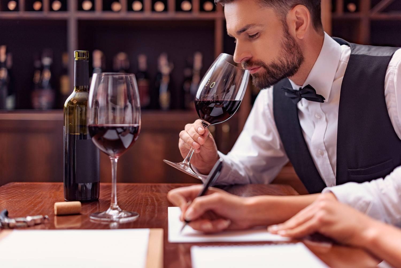 Все про профессию кависта – консультанта по алкоголю. кто это и в чем разница с сомелье?