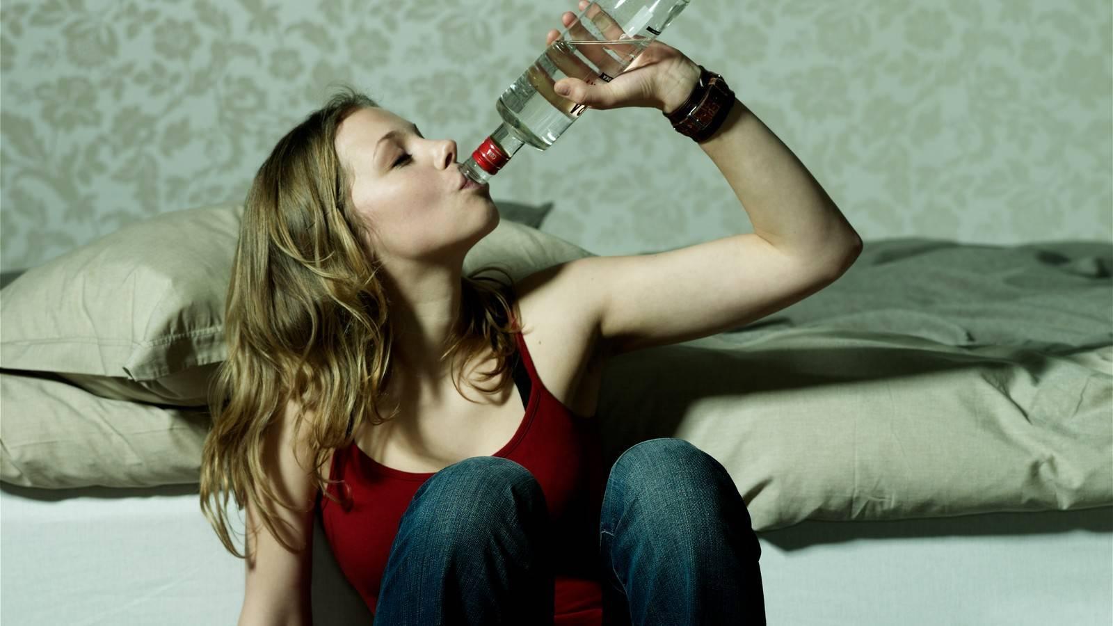 Как распознать латентного алкоголика
