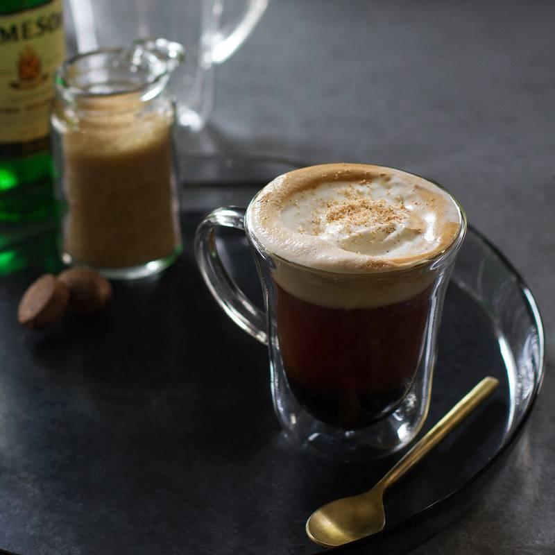 Кофе по ирландски айриш — рецепт с виски и взбитыми сливками