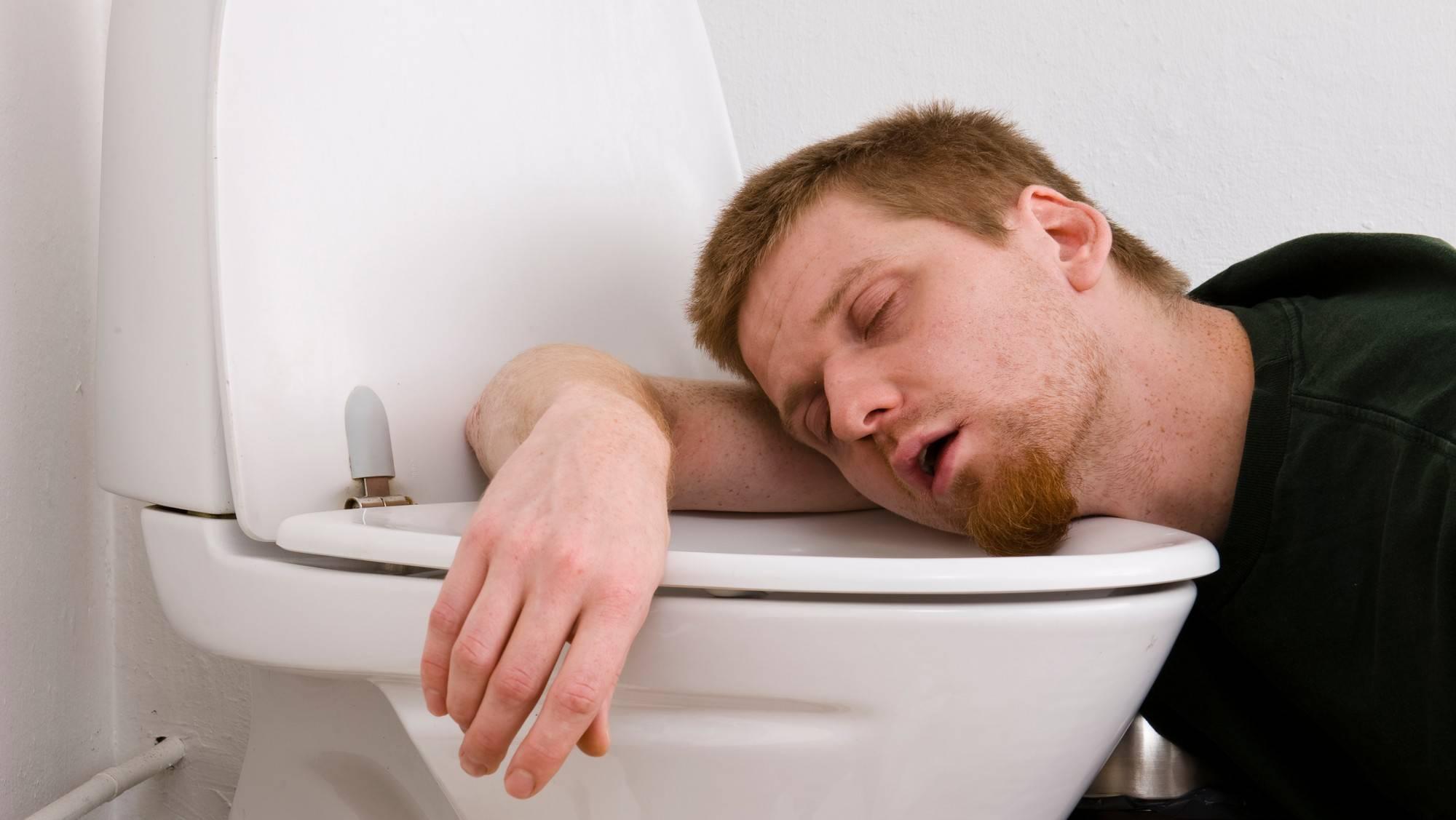 Что делать, если после алкоголя тошнит: полезные рекомендации