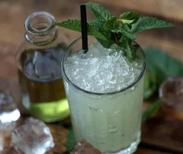 Как правильно пить абсент в домашних условиях?