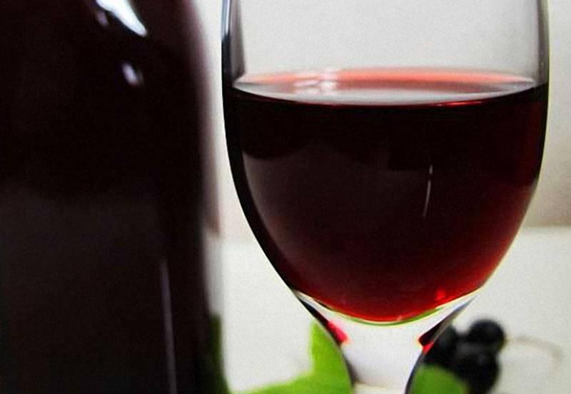 Вино из красной и чёрной смородины в домашних условиях: простой рецепт. вино из черной смородины в домашних условиях: рецепт без дрожжей
