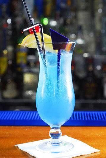 Коктейль голубая лагуна (blue lagoon) – неординарное сочетание водки и ликера. голубая лагуна: рецепт коктейля