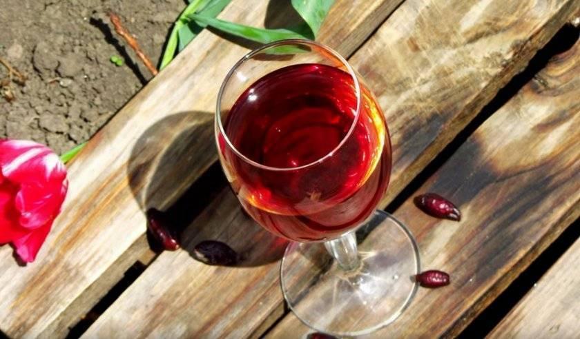 Простой рецепт приготовления вина из шиповника в домашних условиях