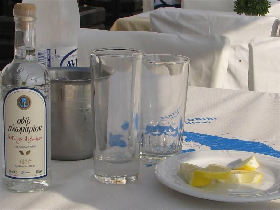 В грецию за узо. греческая водка узо – особенности вкуса и рецепты коктейлей