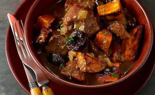 Мясо свинины в белом вине в духовке - пошаговый рецепт
