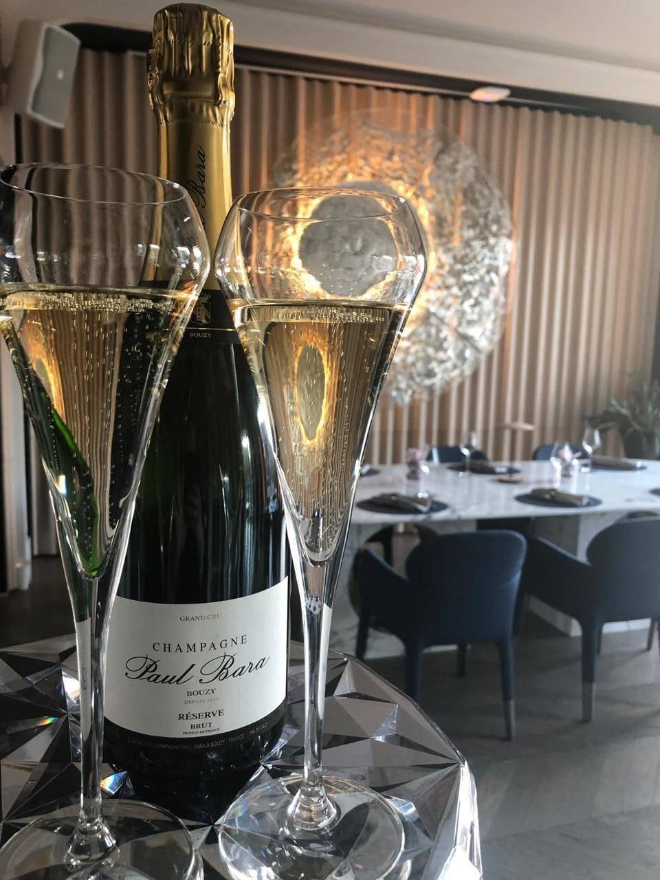 Самое дорогое шампанское в мире: от чего зависит цена бутылки