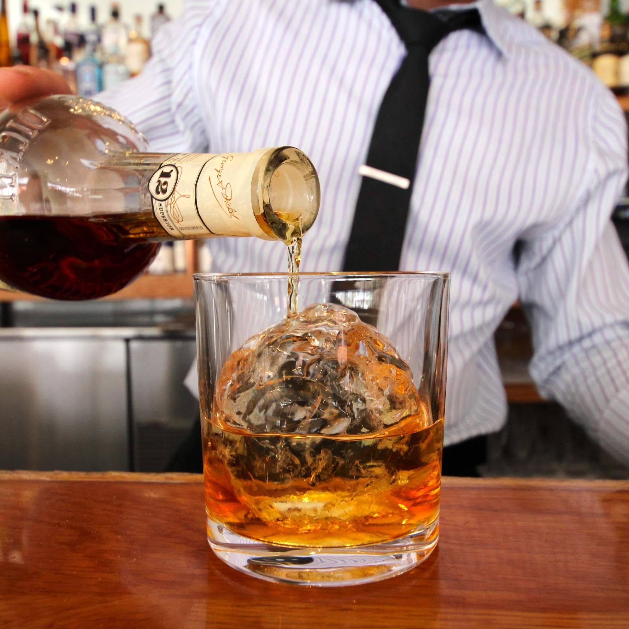 С чем пить виски: какие напитки смешивать кроме колы в качестве тоника, чтобы разбавлять это спиртное