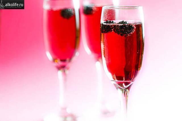Кир рояль: рецепт коктейля, состав алкогольного напитка, как правильно пить