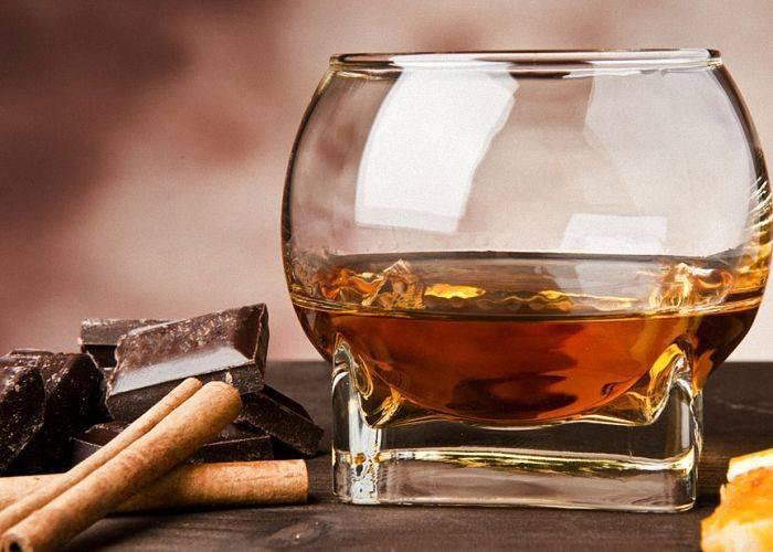 Рецепты настоек самогона на черносливе, окрашивание крепкого алкоголя