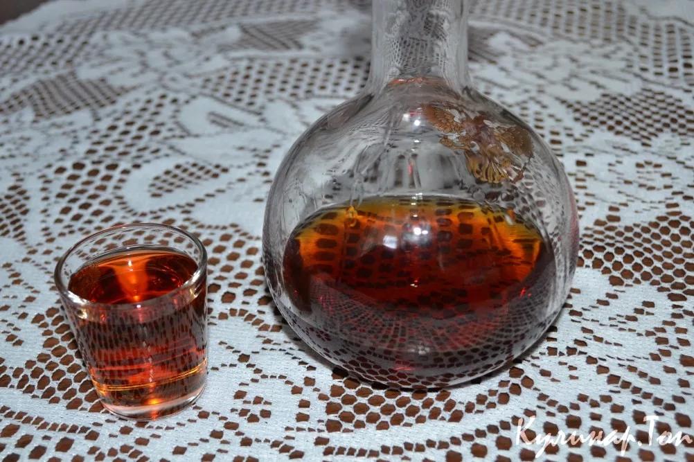 Настойка коры дуба на спирту и не только: рецепты, свойства и противопоказания