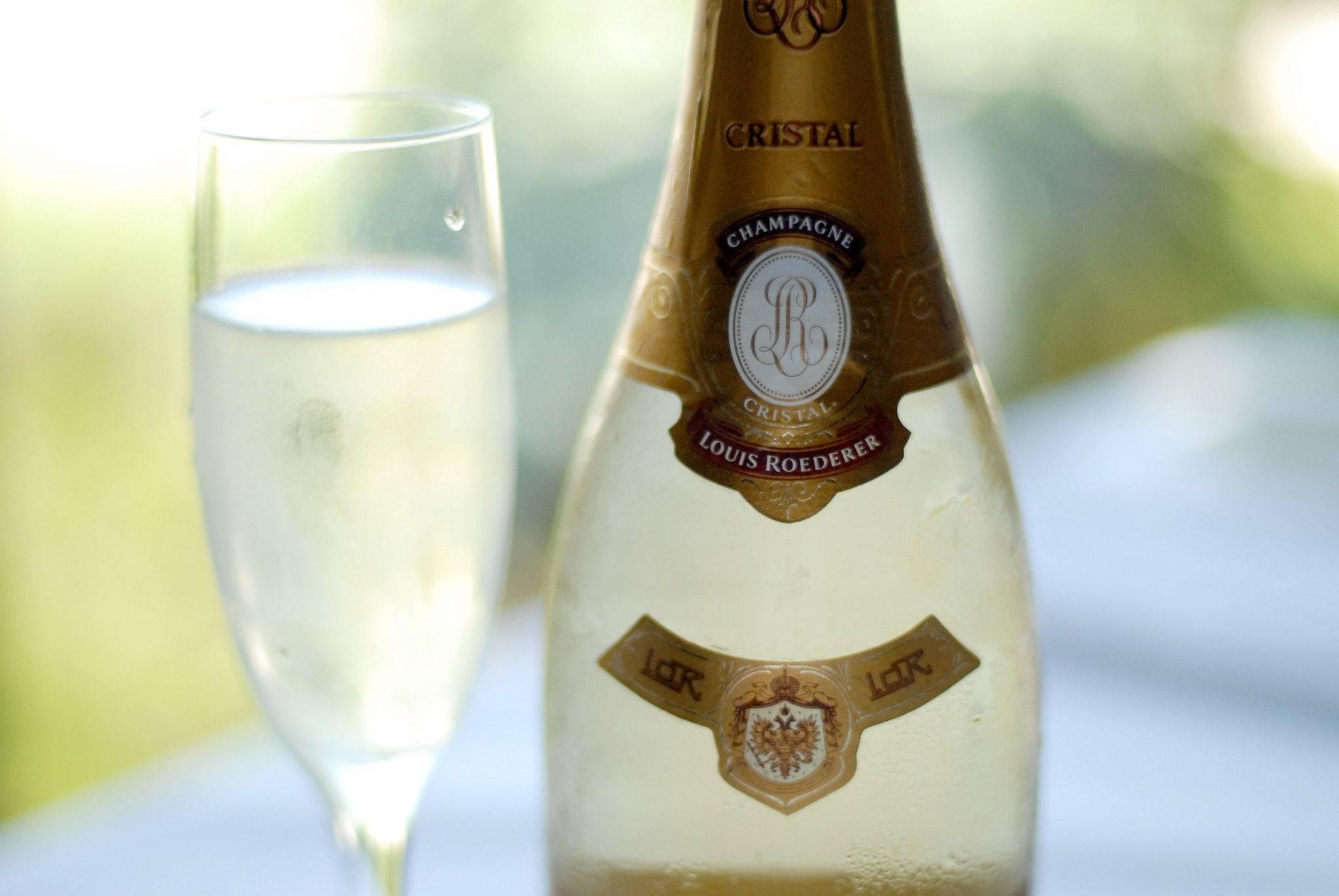 Шампанское кристал: в чем секрет популярности напитка