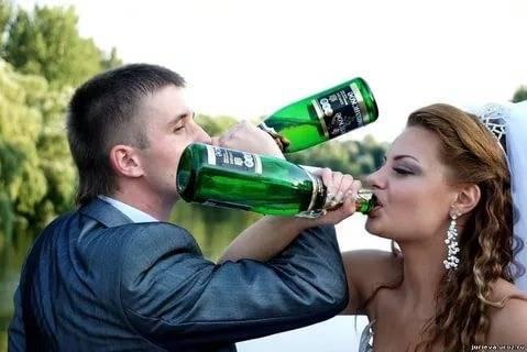 """Как называется когда пьют через руку. что означает """"пить на брудершафт"""""""
