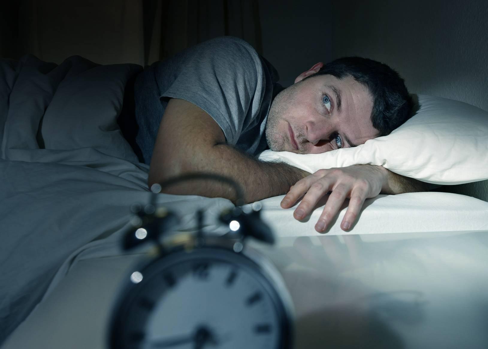 Как уснуть с похмелья и почему снятся кошмары?