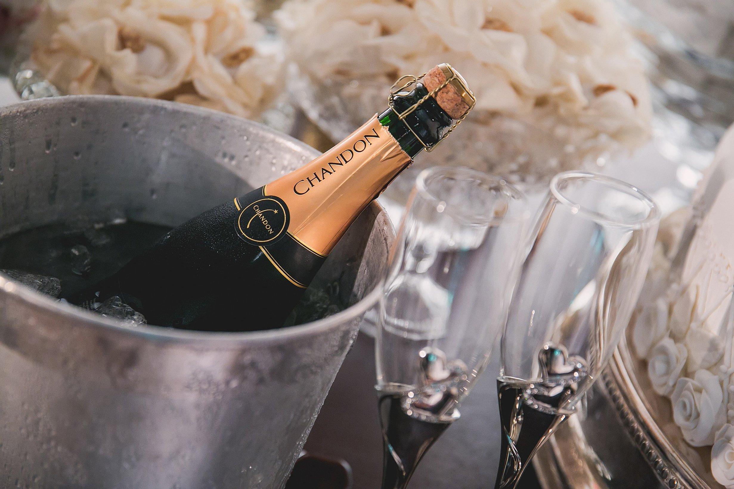 Как правильно открывать шампанское: рекомендации, нюансы, особенности этикета
