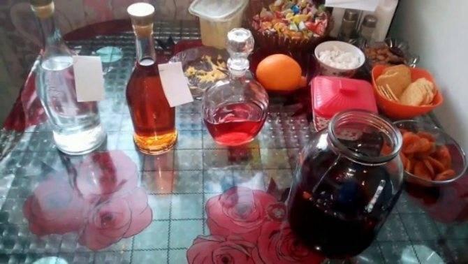 Чем и как ярко и вкусно закрасить самогон в домашних условиях? цвет самогона своими руками | про самогон и другие напитки ? | яндекс дзен