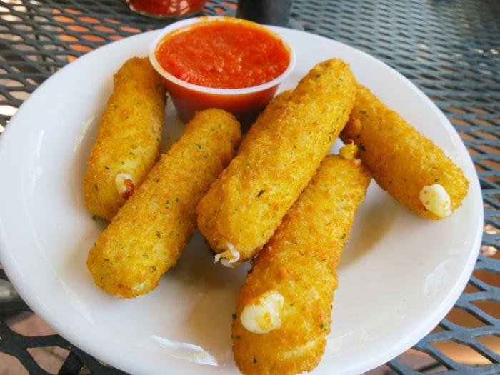 Крабовые палочки с сыром и яйцом закуска