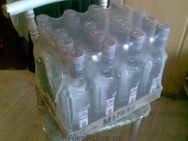 Сколько бутылок в ящике водки: количество вина в облегченной и усиленной таре