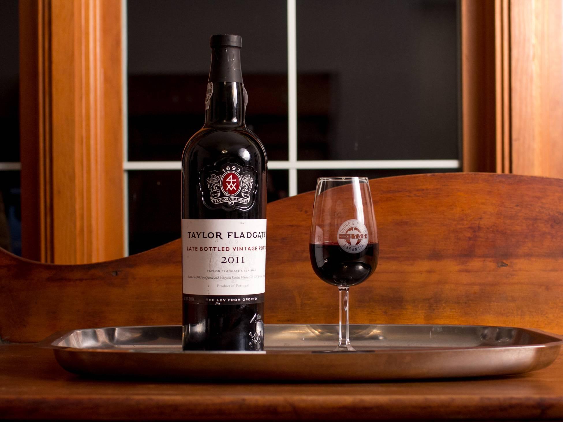 Портвейн португальский: что это такое, виды, состав и свойства напитка, как правильно употреблять