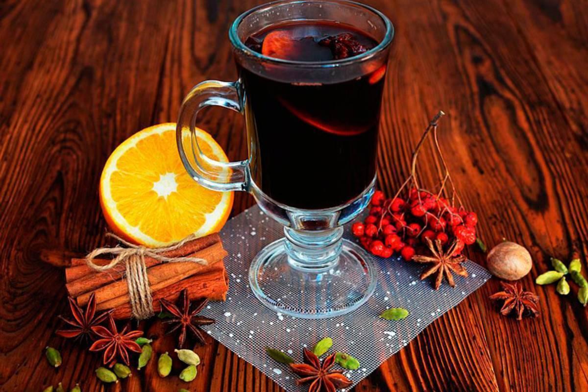 Как вылечить кашель домашним вином