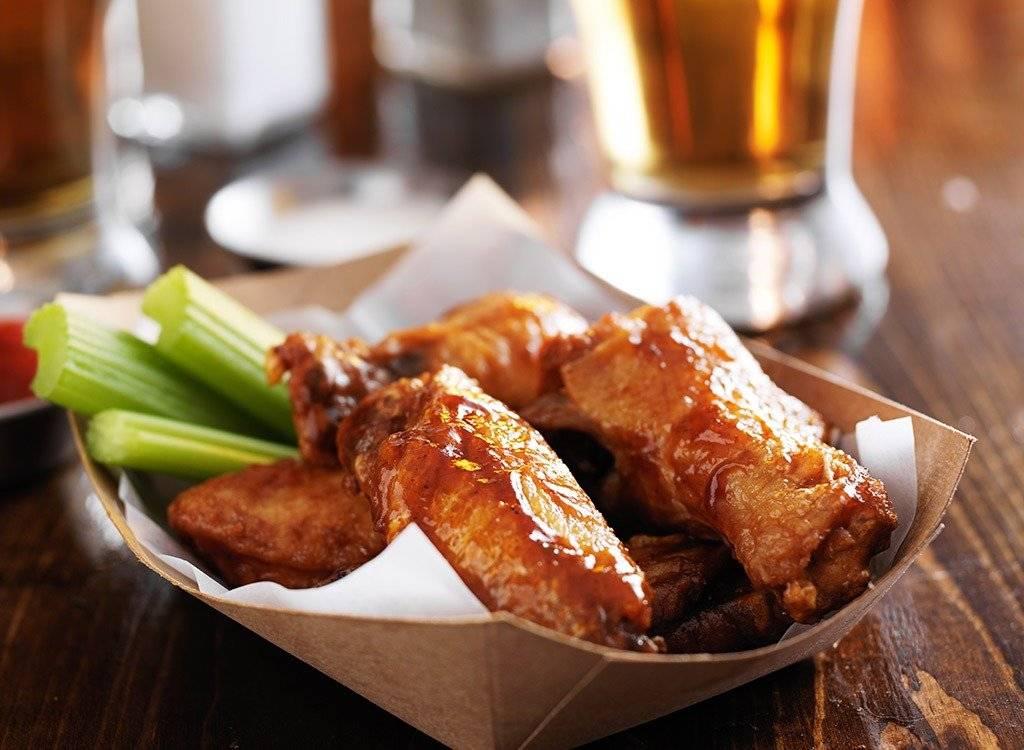 Крылья куриные к пиву. рецепты закусок: острые куриные крылышки к пиву. рецепт куриных крылышек к пиву