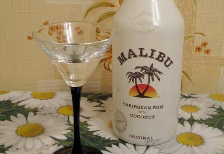 Малибу — кокосовый ликер на основе рома