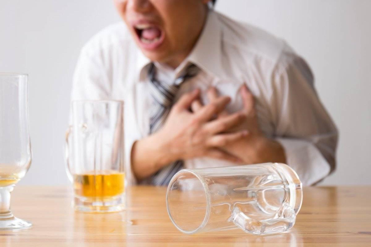 Можно ли употреблять алкогольные напитки после инфаркта: сколько можно пить?