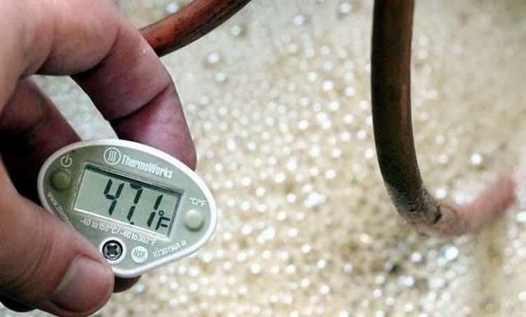 При какой температуре бродит брага, 4 способа ускорить процесс брожения
