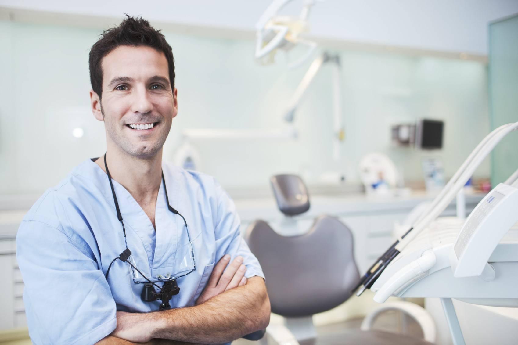 Можно ли курить после отбеливания зубов?