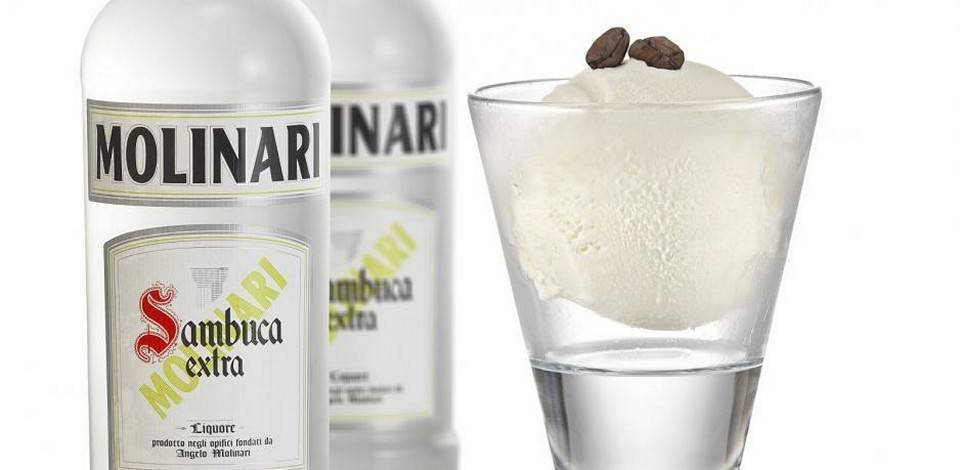 Культура питья самбуки: как правильно пить ликер