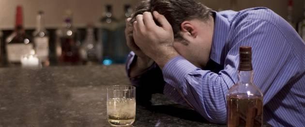 Алкогольная шизофрения — причины, симптомы, лечение