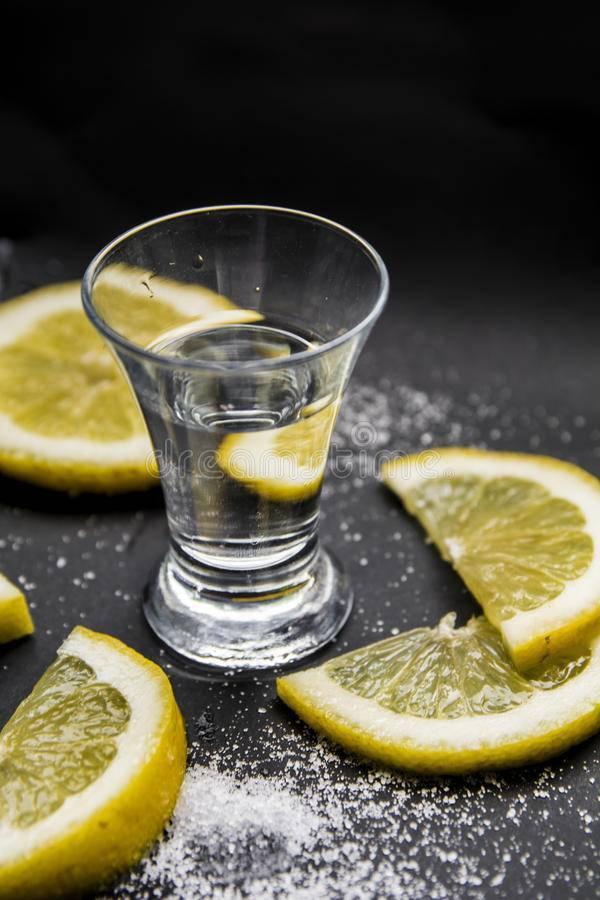 Как правильно пить и чем закусывать текилу? (не только солью с лимоном и с девушки) | про самогон и другие напитки ? | яндекс дзен
