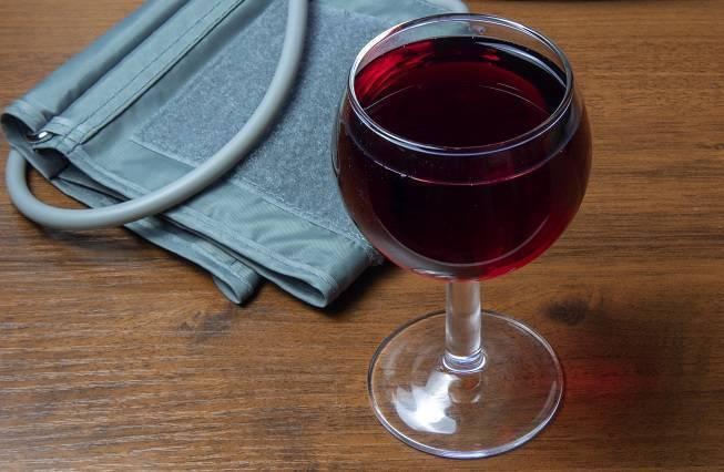 Как красное вино влияет на уровень артериального давления