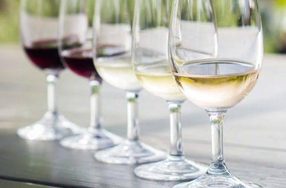 Отличие сухого вина от полусухого. чем отличается полусухое вино от полусладкого