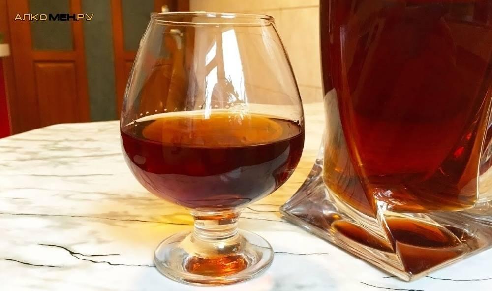 Настойка на черносливе: 4 рецепта на самогоне, спирту и водке