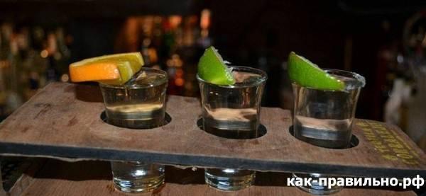 Почему и как пьют текилу с солью и лимоном: особенности и интересные факты