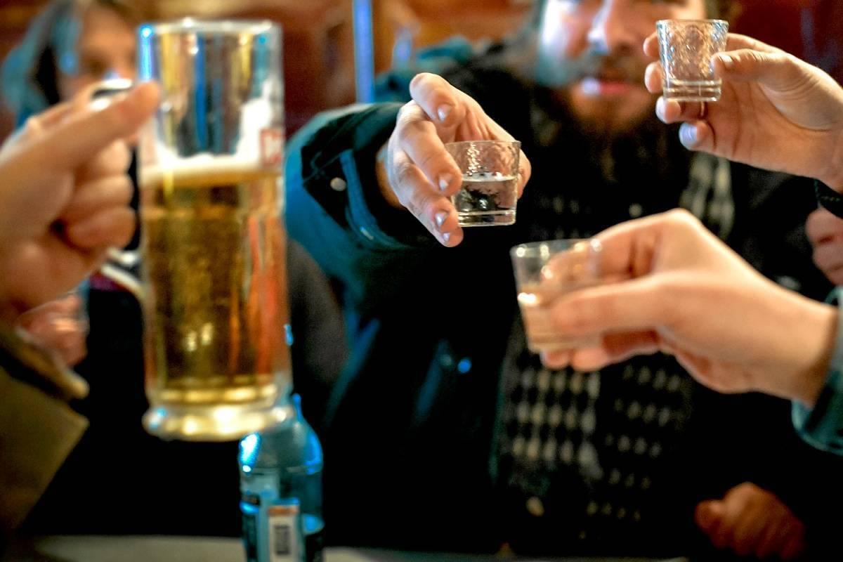 Как вызвать отвращение к алкоголю: способы, методы, народные рецепты, список препаратов, помогающих избавиться от алкогольной зависимости. профилактика алкоголизма, которая не даст человеку вернуться к употреблению алкоголя: описание