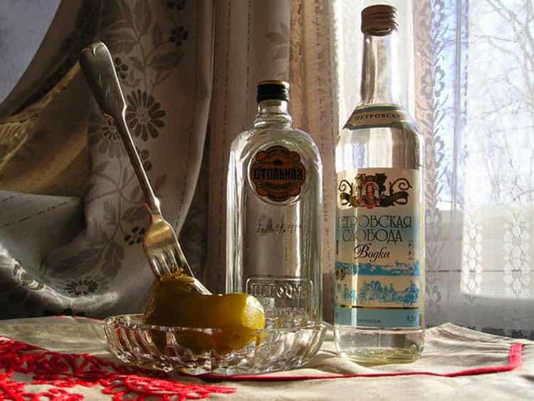 История водки: кто ее придумал и когда появился стандарт. история изобретения водки