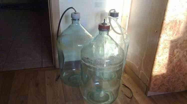 Можно ли хранить водку в алюминиевой фляге. pravilnohranuedy.ru